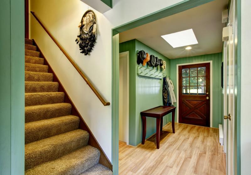haust r und flur im landhausstil kreutz landhaus magazin. Black Bedroom Furniture Sets. Home Design Ideas