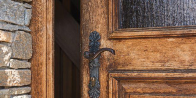 Rustikale T Rbeschl Ge stilvolle türbeschläge für den eingangsbereich kreutz landhaus magazin