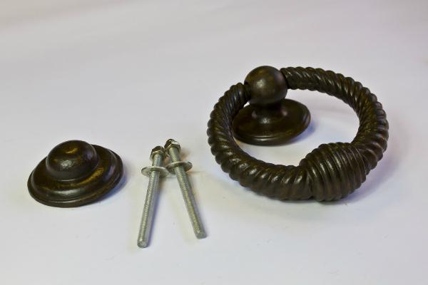 Tuerklopfer aus Eisen Antike Beschlaege