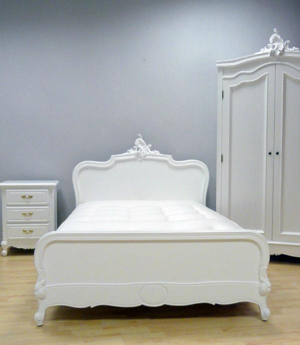 Bett CARLA Verzierungen handgeschnitzt weiß matt lackiert 140x200 cm
