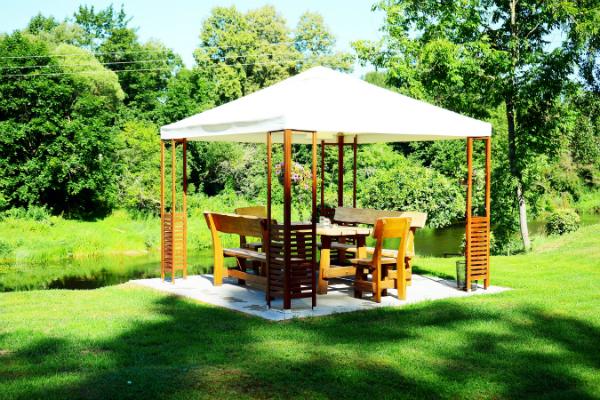 Schlicht oder Auffällig - ein Pavillon ist ein schöner Ort zum Entspannen