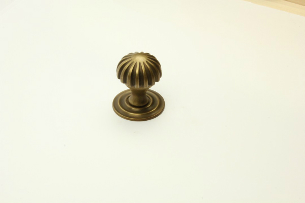 Tuerknauf Messing patiniert Durchmesser 60mm