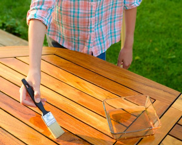 Die richtige Holzpflege ist wichtig