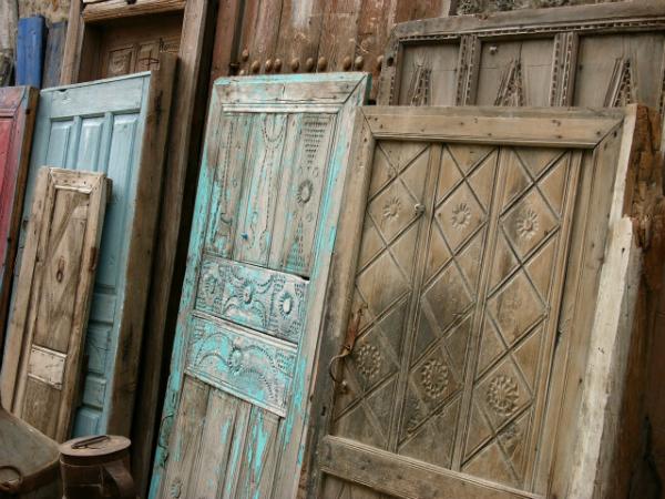 Durch Restauration können Sie antike Türen wunderbar in neuem Glanz erstrahlen lassen