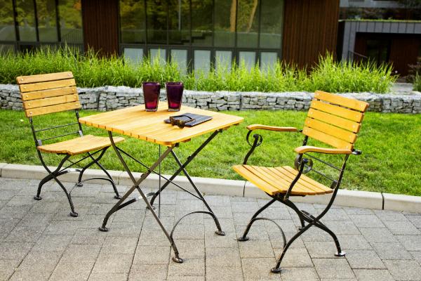 Gartenstuhl mit Armlehne (Weekend)