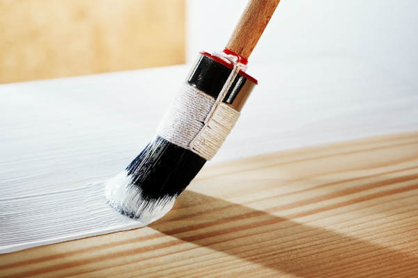 Holz weiss grundieren