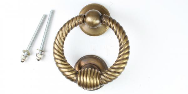 tuerklopfer-ring-messing-patiniert