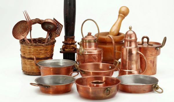 Früher wurden viele Gebrauchsgegenstände wie Töpfe oder Kochgeschirr aus Kupfer gemacht