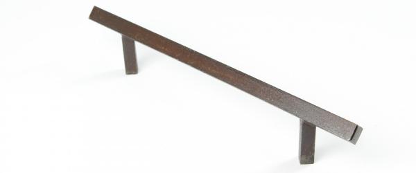 buegelgriff-aus-massivem-eisen-antik-patiniert