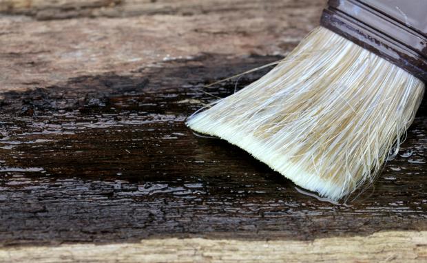 Das Holz richtig vorbehandeln