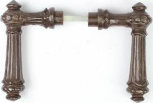 Gründerzeit Türdrücker aus massivem Eisen antik patiniert