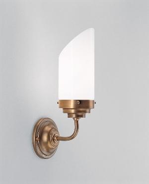 wandleuchte-a91-143op-flurlampen-im-landhaus