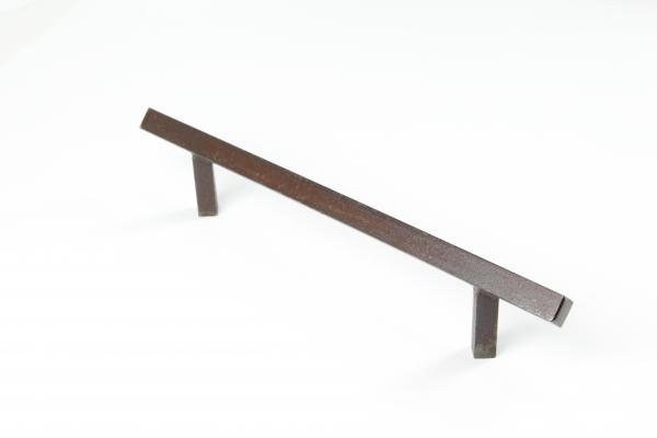 Bügelgriff aus massivem Eisen antik patiniert