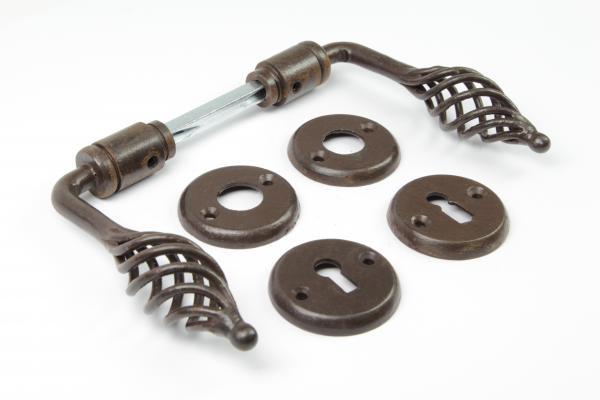 Barock Türdrücker aus massivem Eisen antik patiniert + Schlüsselrosetten BB